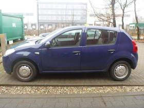 Dacia Sandero wenig gefahren.