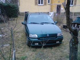 Renault Clio RTI  für sein alter seht er noch gut da