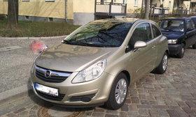 Opel Corsa 1.4 16V Edition in Champagner, mit Flex-Fix-Trägersystem, scheckheftgepflegt
