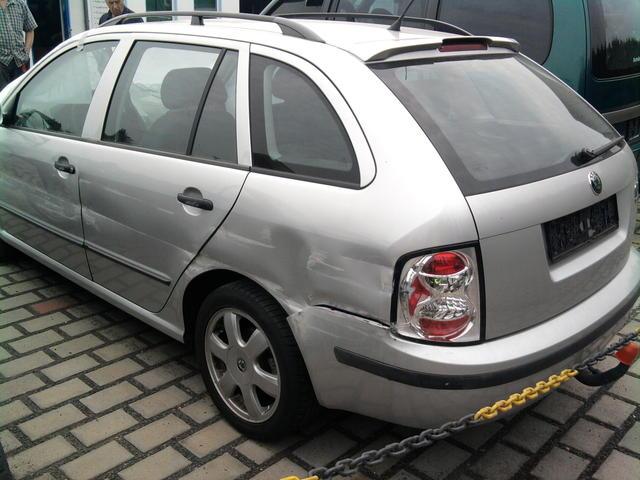 Unfallfahrzeug. 1,9 PD/TDI Klima + Schiebedach + Anhängerkupplung