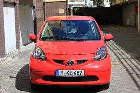 Totoyat Aygo Cool in rot