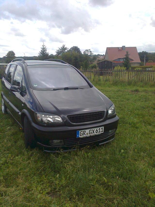 Opel Zafira 2.2 16V 2000 Edition