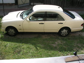 Mercedes Benz E200 CDI