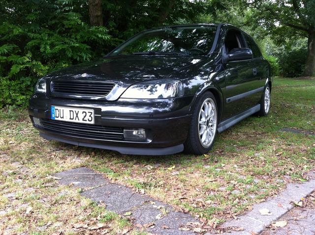 Opel Astra g 1.8 16V Schwarz Metallic