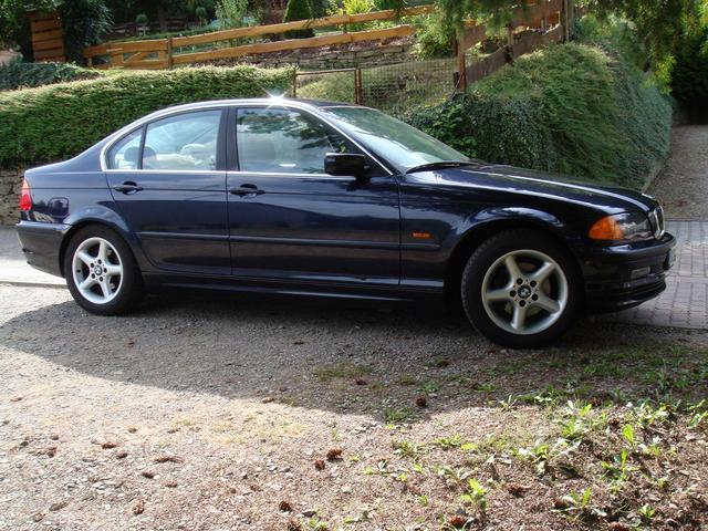 BMW 323i guter gepflegter Zustand, AHK, Klimaautomatik, Winterreifen