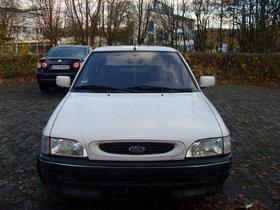 ford escort ,super zustand,  fast 2 jahren  TÜF ...knapp 80000 km gelaufen,