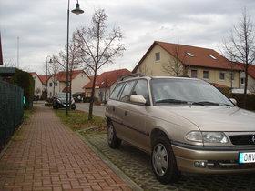 Opel Astra F Caravan nur 81.000 km aus 2. Hand, AUTOMATIK, Winter- und So-Reifen