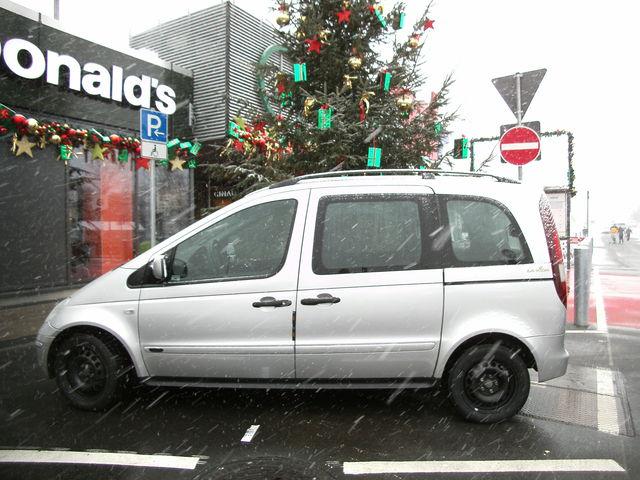Familienvan- Kombi mit viel platz, auch Behindertengerecht mit Handgas- Bremse