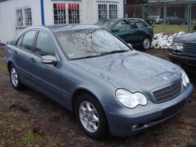 Mercedes-Benz C200KOMPRESSOR KLIMATRONIC SITZHEIZUNG 1HAND eFH
