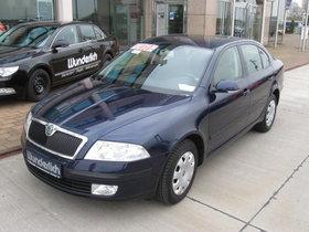 Skoda Octavia II, 2.0 FSI, 150 PS Limousine in blau