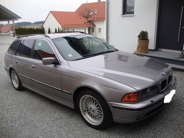 BMW 528 i Touring Automatik TÜV Neu Leder AHK Xenon Vollausstattung E39
