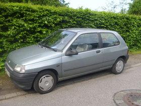 Renault Clio mit TÜV und HU bis 11/13