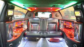 LINCOLN Town Car Limousine 2004