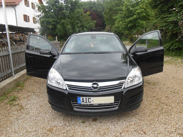 Opel Astra 1.6 Edition, schwarz metallic