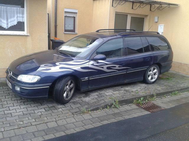 Opel Omega 2,5 V6