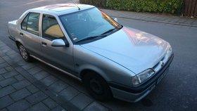 Renault R19  (an Bastler)