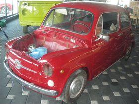 FIAT 600 TEILRESTAURIERT
