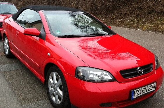 Opel Astra G 2,2DTI Bertone rot-schwarz