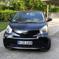 Toyota IQ, 2010, schwarz, Scheckheft gepflegt, nur 36.000 km