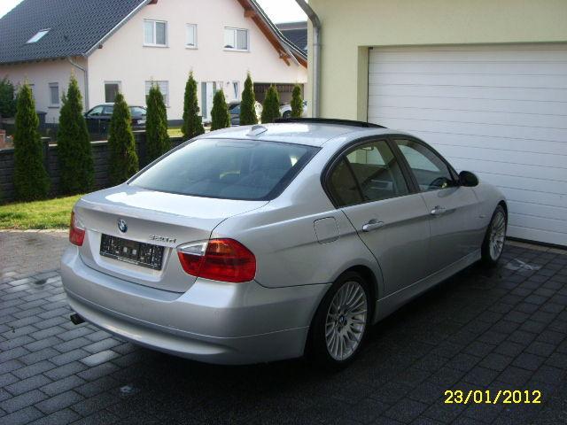BMW 320 d Klimaautomatik+Xenon+Sitzh.+PDC+Navi+Schiebedach