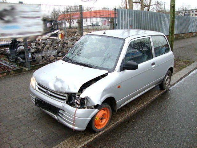 DAIHATSU Cuore 1,0 Benzin Unfall 164tkm