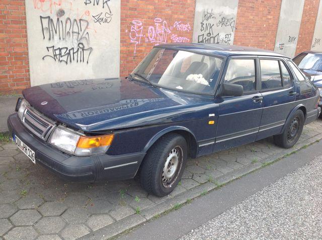 Saab 900 Unfallwagen noch fahrtüchtig zum Ausschlachten