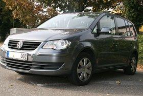 VW Touran Trendline, Standheizung, AHK abnehmbar, Winterreifen