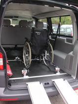 VW T5 Kombi 2.0 TDI 9-Sitzer Rollstuhlplatz