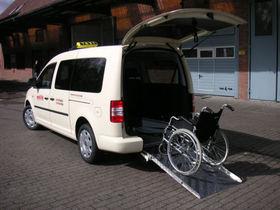 VW Caddy Maxi Trendline BlueMotion Rollstuhl TAXI