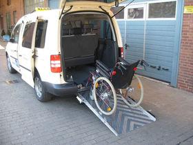VW Caddy Maxi Trendl. BlueMotion TAXI Rollstuhlpl.