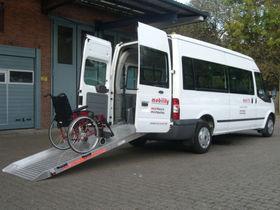 FORD Transit Kombi 300L 9-Sitzer Rollstuhl/Eurorampe
