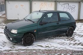 Renault Clio Bj 96 119tkm ohne Rost Garagenwagen guter Zustand !!!