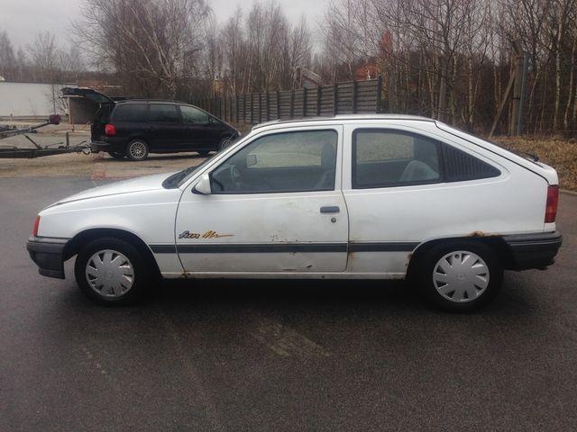 Opel Kadett E 1.4 Fun 1.Hand AHK erst 124 tkm 5-Gang