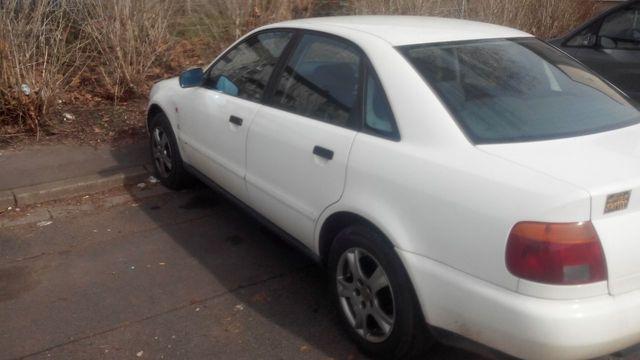 Audi A4 guter zustand mit anhängerkupplung