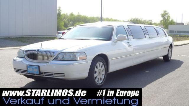 LINCOLN Town Car Limousine 2005 120""