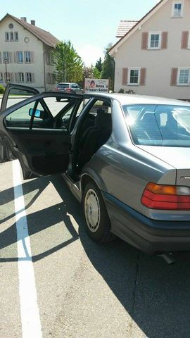 BMW 316i (JAHR 1993)
