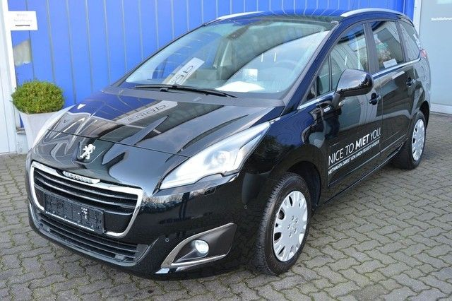 Peugeot 5008 PureTech 130 Style PANO, XENON, NAVIGATION