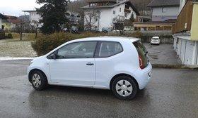 VW UP! regelmäßig serviciert