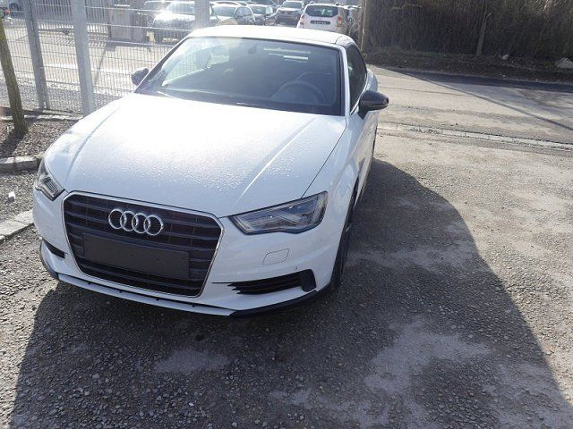 AUDI A3 1.4 TFSI Cabriolet - AMBIENTE - CoD ultra - S-TRONIC - LED-SCHEINWERFER - 18 ZOLL