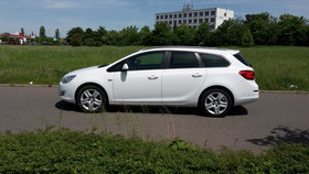 Opel Astra sports tourer design ed