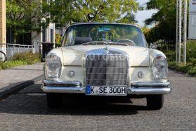 MERCEDES-BENZ 300 SE Cabriolet W112