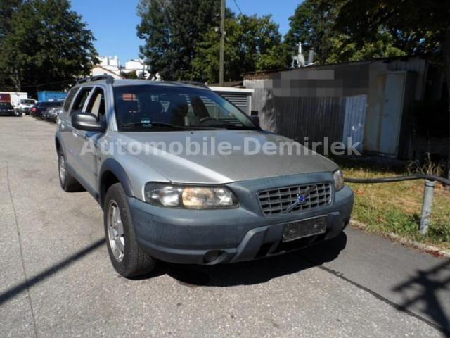 VOLVO XC70 D5 AWD Automatik-Navi-Leder-MFL-AHK-PDC-