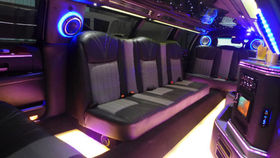 """LINCOLN Town Car Stretch-Limousine 130"""" 6-door"""