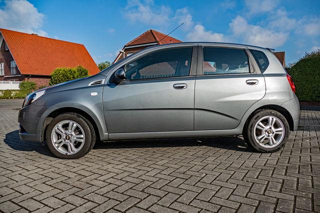 Chevrolet Aveo 1,4 LT/22300km-Tüv und Inspektion Neu. Garagenfahrzeug-Zweitwagen