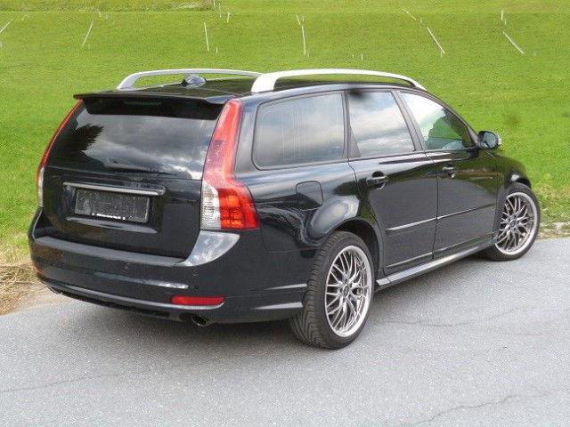 Volvo V50 Kombi 2.4 D5 Summum