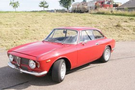 Alfa Romeo Junior 1300 GT