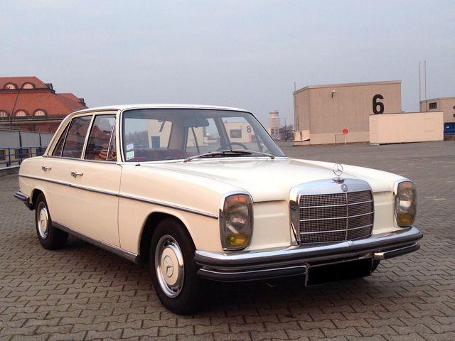 Mercedes-Benz 220 Sammlerzustand mit Leder