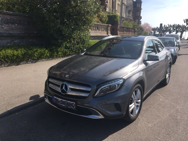 Mercedes-Benz 200 GLA