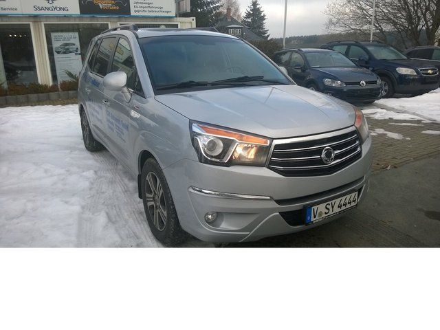 SSANGYONG Rodius Sapphire 4WD