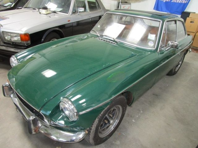 MG MGB Coupe mit Faltdach und Overdrive